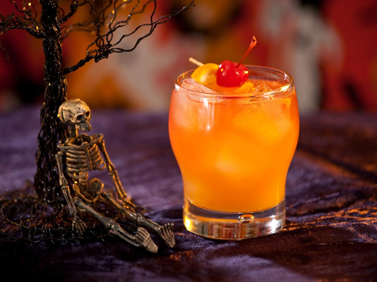 13 Drinks To Die For This Halloween